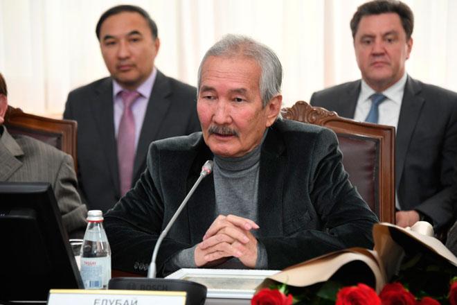 Алматы әкімі бірқатар қаламгерлерді Президенттің алғыс хатымен марапаттады