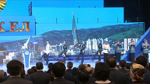 В Алматы вручили ордена и медали к празднику