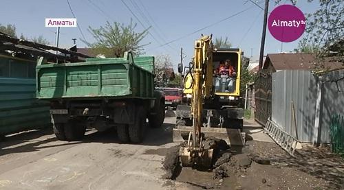Почти 16 километров трубопровода заменят в этом году в Алматы