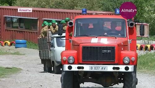 В алматинских горах прошли учения спасательных служб