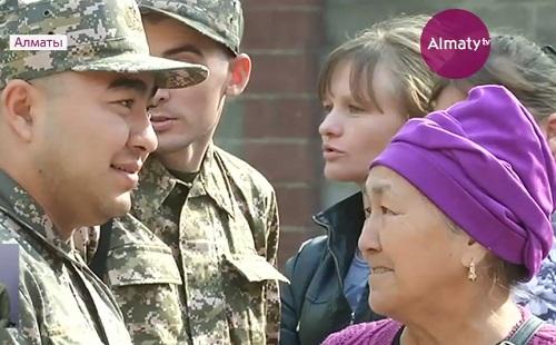 В Казахстане продолжается осенний призыв солдат - срочников