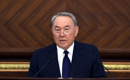 Нурсултан Назарбаев предложил снизить налоги с зарплаты и ставки по ипотеке