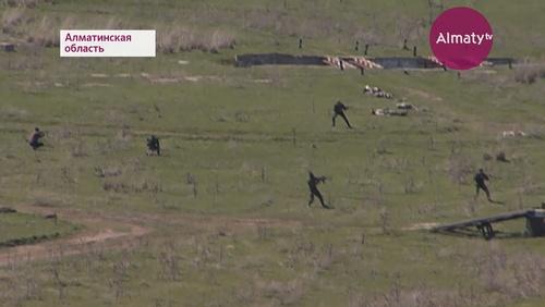 """""""Калкан-2018"""": курсанты-пограничники на учениях отражали атаки вооруженных бандитов"""