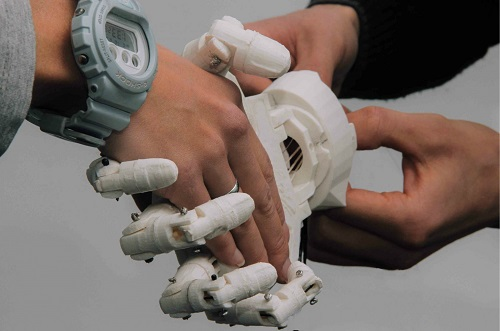 100 новых лиц Казахстана: Маулен Бектурганов, создатель бионического протеза руки