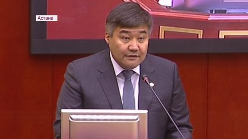 С открытым лицом: казахстанские депутаты проголосовали за запрет никаба
