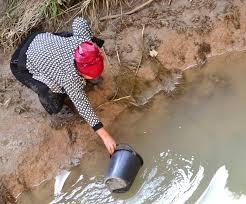 В Южно-Казахстанской области жители вынуждены пить грязную воду
