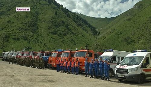 В горах Алматы экстренные службы проверили готовность к ЧС