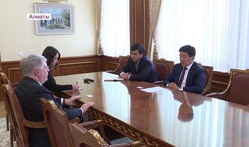 Бауыржан Байбек провел переговоры с послом РФ в Казахстане Алексеем Бородавкиным