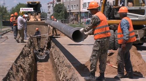 Для удобства жителей: в м-не Кокжиек стали по-новому вести строительно-монтажные работы