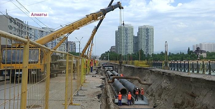Ускорить темпы реконструкции инженерных сетей поручил аким Алматы