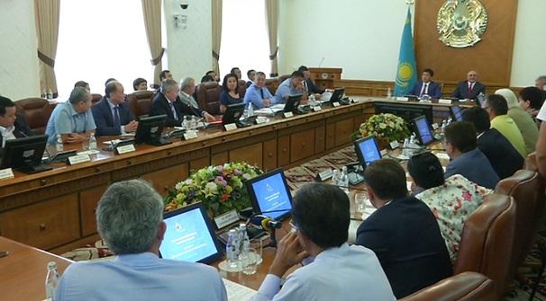 Для борьбы с теневой экономикой в Алматы примут жесткие меры - аким Бауыржан Байбек