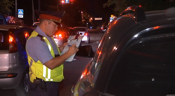 Двоих нетрезвых водителей выявили во время спецрейда на проспектах города - ДВД Алматы