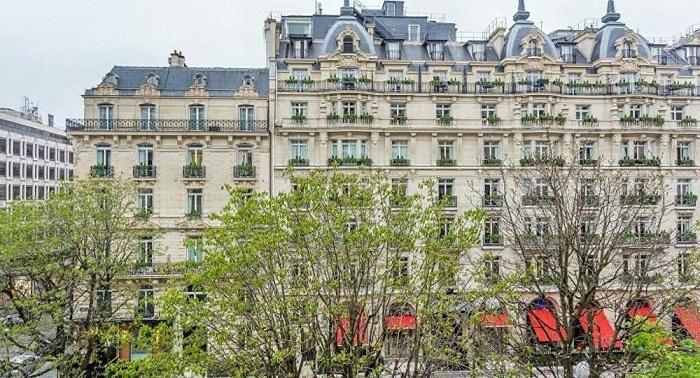 Богач из Казахстана продает нашумевшую квартиру в Париже за двойную цену