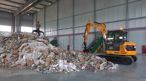 Новый мусоросортировочный комплекс открылся в Алматы