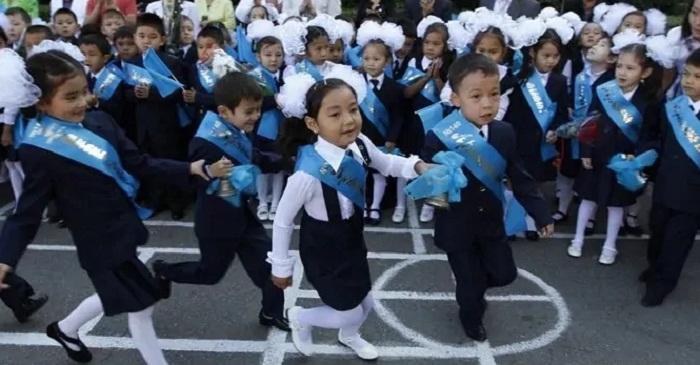 Сагадиев: на решение проблемы переполненности школ нужно четыре года