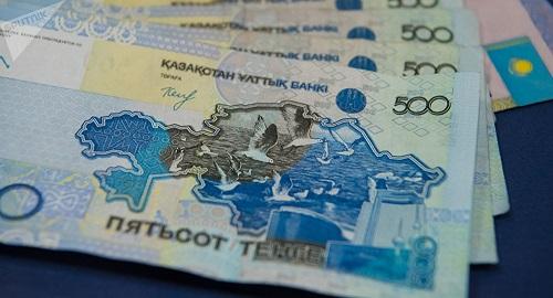 Нурсултан Назарбаев поручил повысить зарплату