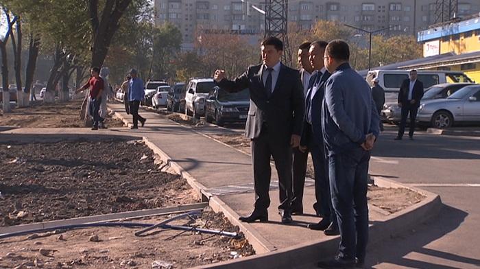 Новые акимы Ауэзовского и Бостандыкского районов осмотрели территории