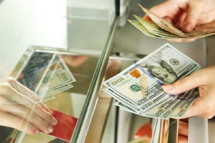 Нацбанк рекомендовал казахстанцам воздержаться от покупки валюты