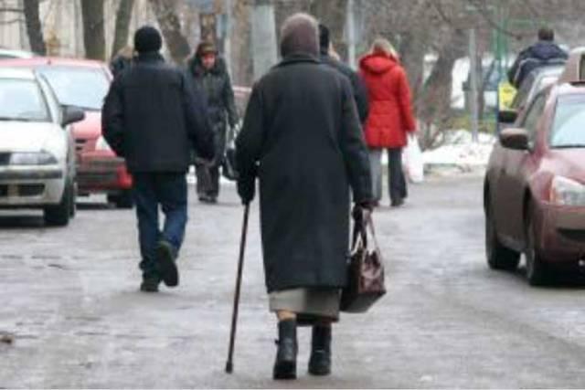 Кондуктора, высадившего из автобуса пенсионерку в День пожилого человека, оштрафуют в Павлодаре