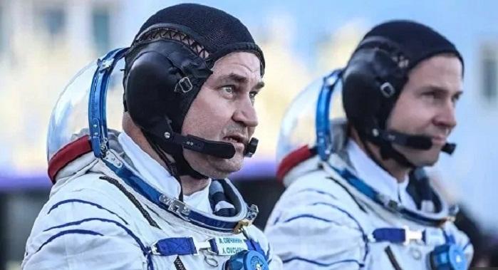 Экипаж корабля «Союз» прибыл из Казахстана в Москву