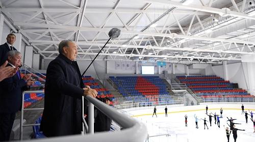 Нурсултан Назарбаев поздравил молодых хоккеистов с открытием Ледового дворца в Актобе