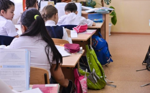 78% опрошенных карагандинцев против шестидневки в школах