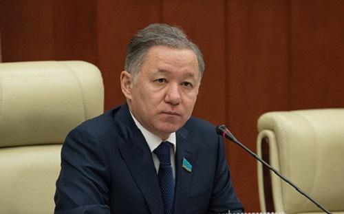 Бюджет қаралымы: Нығматулин министрлердің жұмысын сынға алды