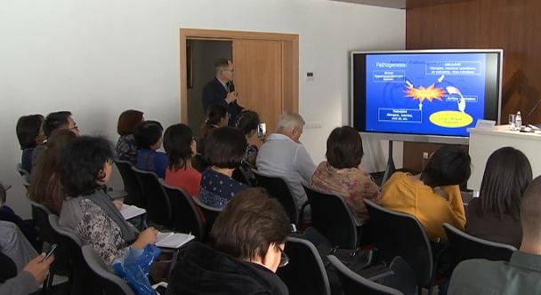 Профессор из Литвы рассказал об эффективных  методах лечения бронхиальной астмы врачам в Алматы