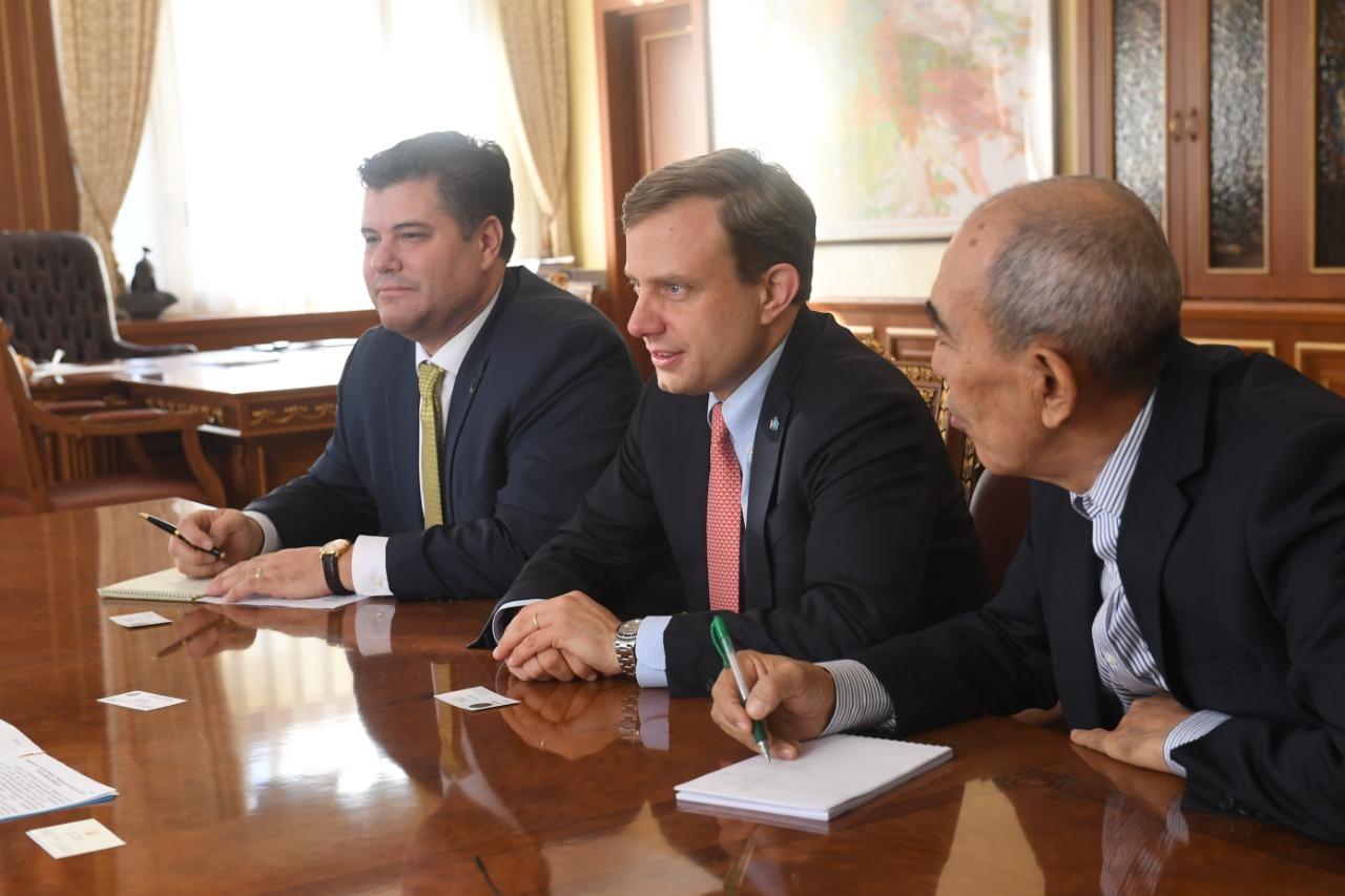 Аким Алматы встретился с Генеральным консулом США