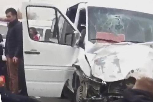 21 человек пострадал в крупном ДТП в Алматинской области (видео)