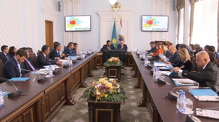 Новых депутатов маслихата Алматы представили основному составу