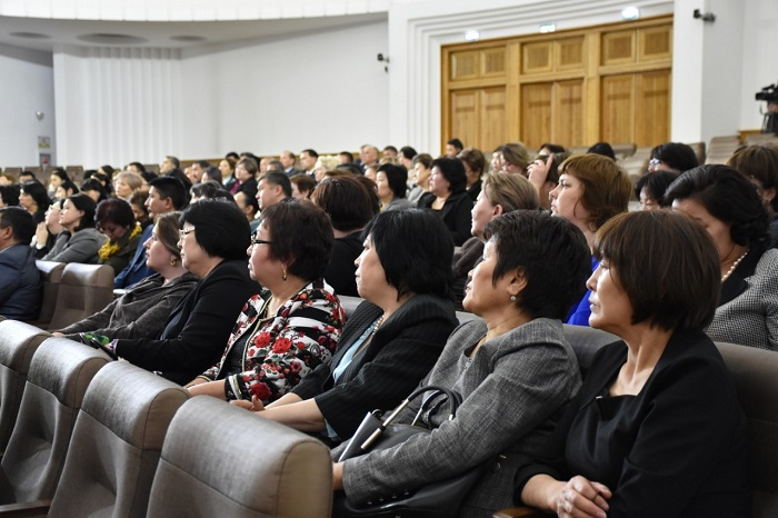 Директоров алматинских школ предупредили о запрете сбора денег