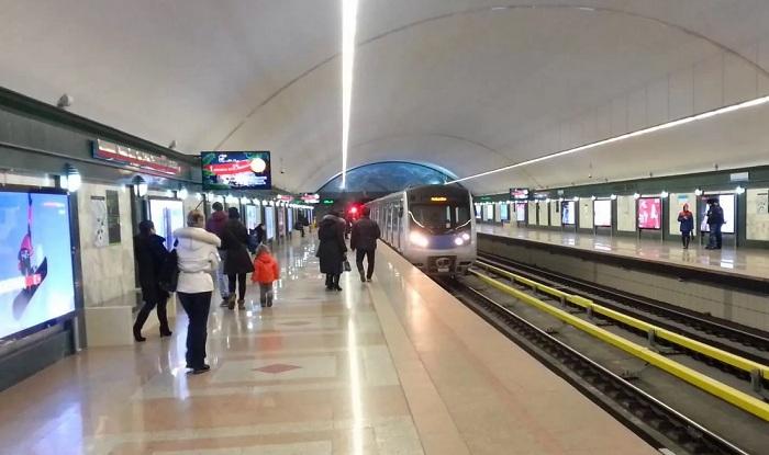 Метро Алматы продлит движение поездов до полуночи