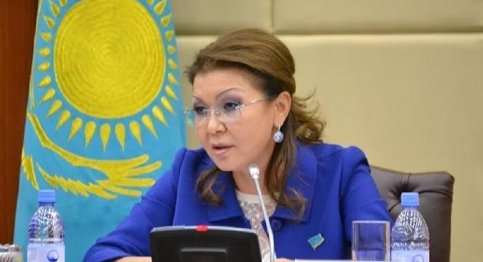 Дарига Назарбаева: в казахстанских аптеках свободно продаются лекарства, похожие на наркотики