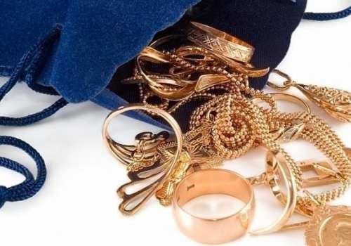 Срывавший с женщин золотые украшения мужчина задержан в Шымкенте