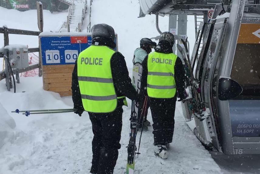 Полицейские на лыжах начали патрулировать  Шымбулак