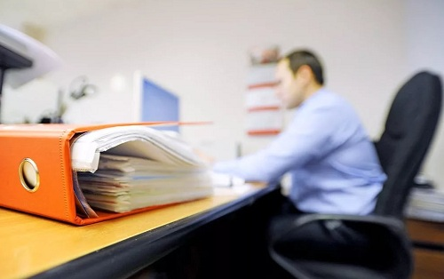 Антикоррупционеры хотят внедрить гибкий график работы для чиновников