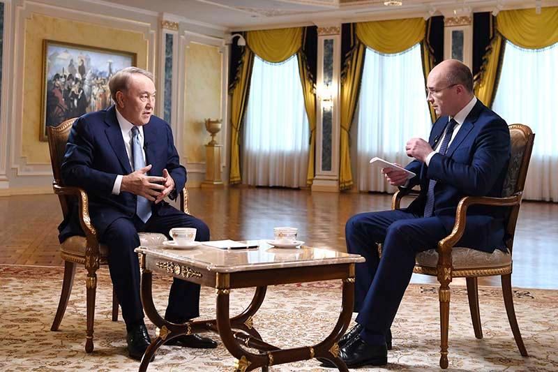 Нурсултан Назарбаев дал интервью российским телеканалам