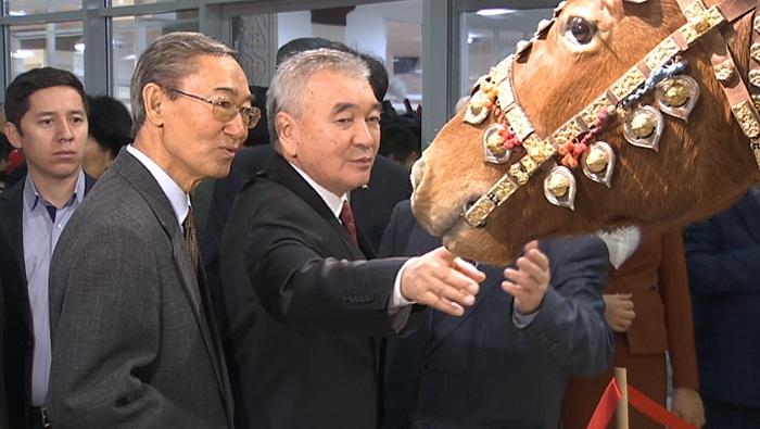 Сенсационные исторические экспонаты представили в Алматы
