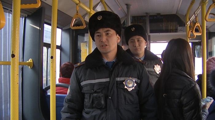 Несовершеннолетних автобусных карманников задержала полиция Алматы