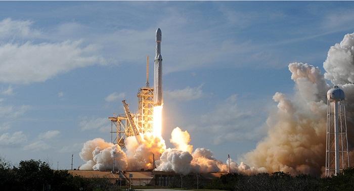Американский Falcon 9 вывел на орбиту два казахстанских спутника