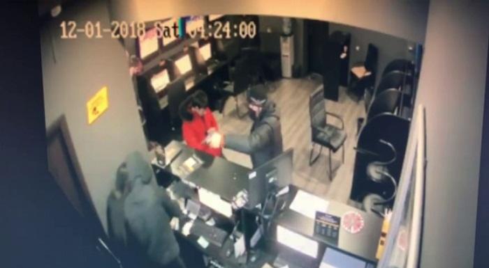 Букмекерскую контору ограбили за 40 секунд в Алматы