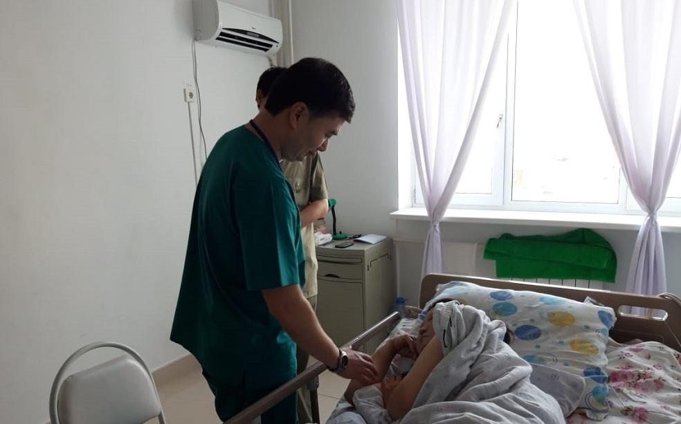 Врачи Мангистауской области стабилизировали состояние пострадавшей в ДТП из-за верблюда