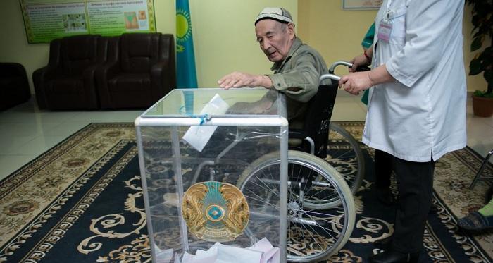 Избирательные участки в Казахстане оборудуют для людей с ограниченными возможностями