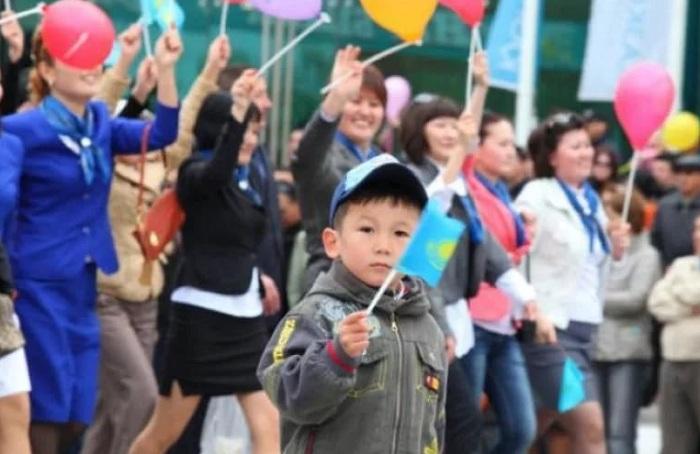 Численность населения Казахстана достигла 18,35 млн человек