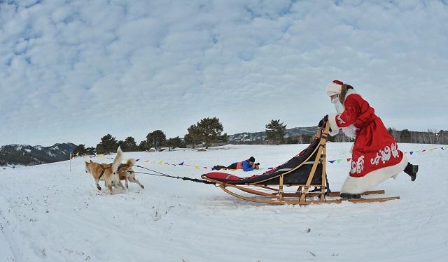 Мини-резиденцию Деда Мороза создали в Баянауле (ФОТО)