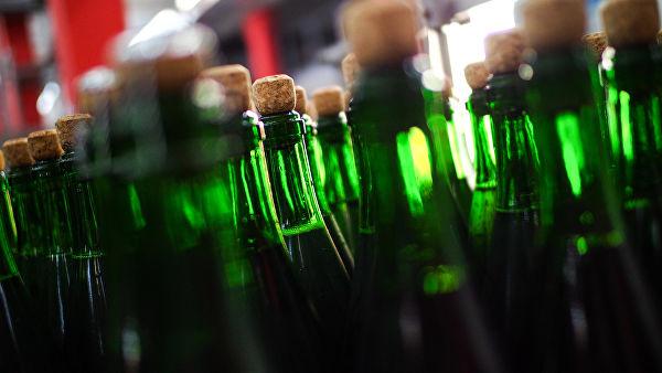 Новый год 2019: врачи посоветовали не пить шампанское с пеплом бумаги