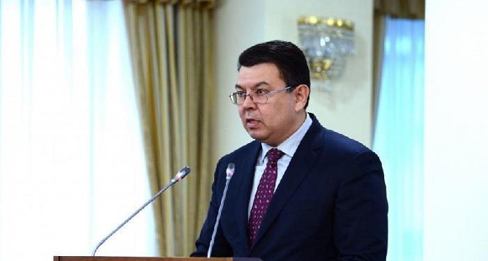 Четвертый НПЗ пока строиться не будет - Канат Бозумбаев