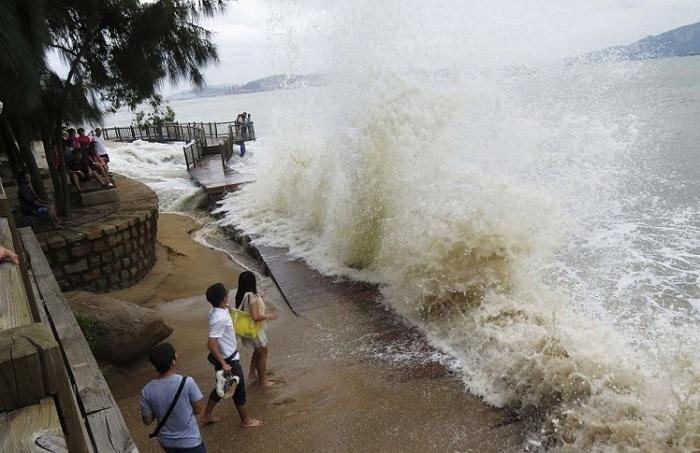 Около 400 казахстанцев находятся в Тайланде, где ожидается мощный тайфун