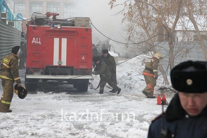 6 человек спас из огня алматинский полицейский